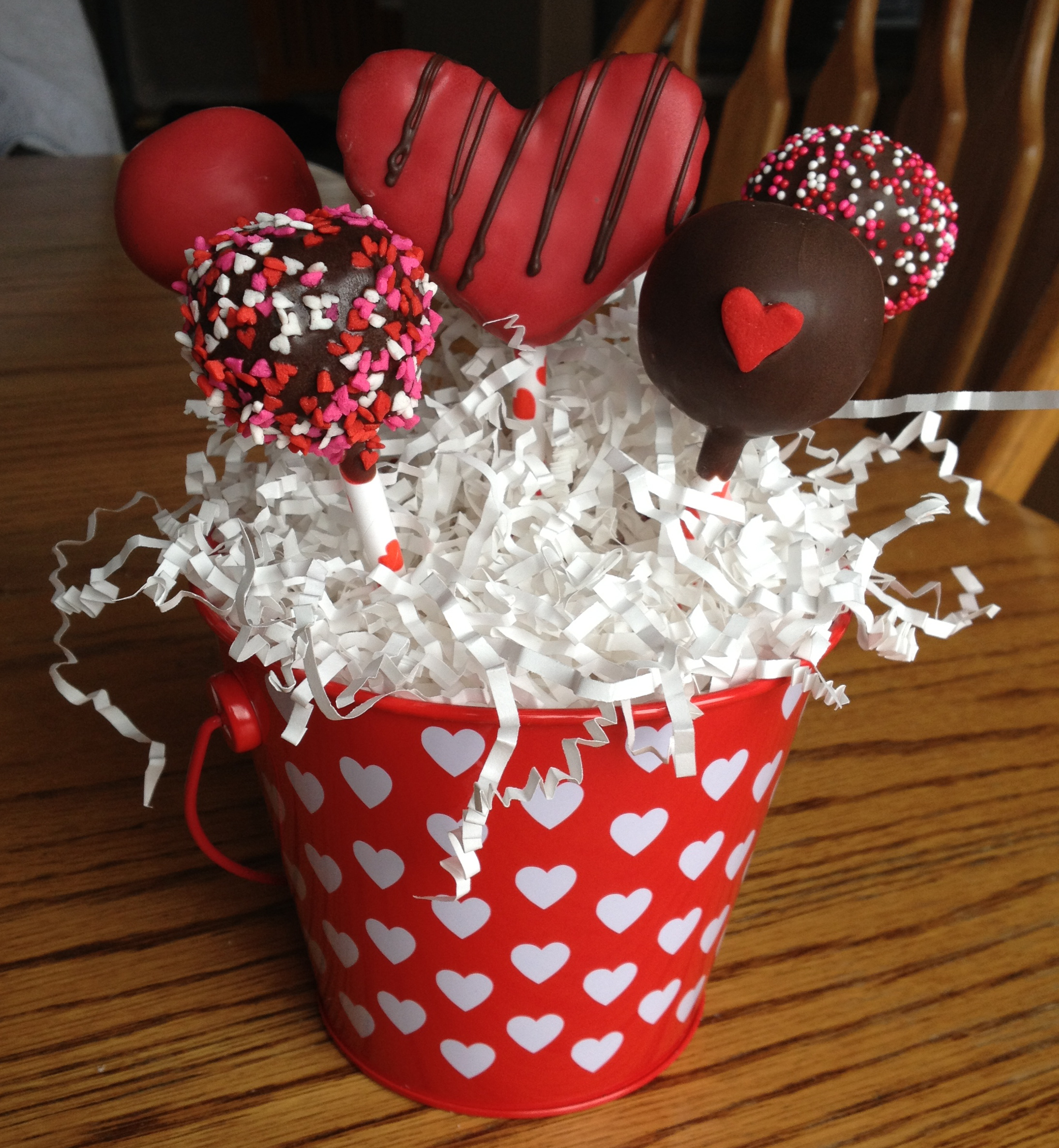 Cake Pop Designs Valentines Day : Valentine s Day Cake Pops courtney s craftin&cookin