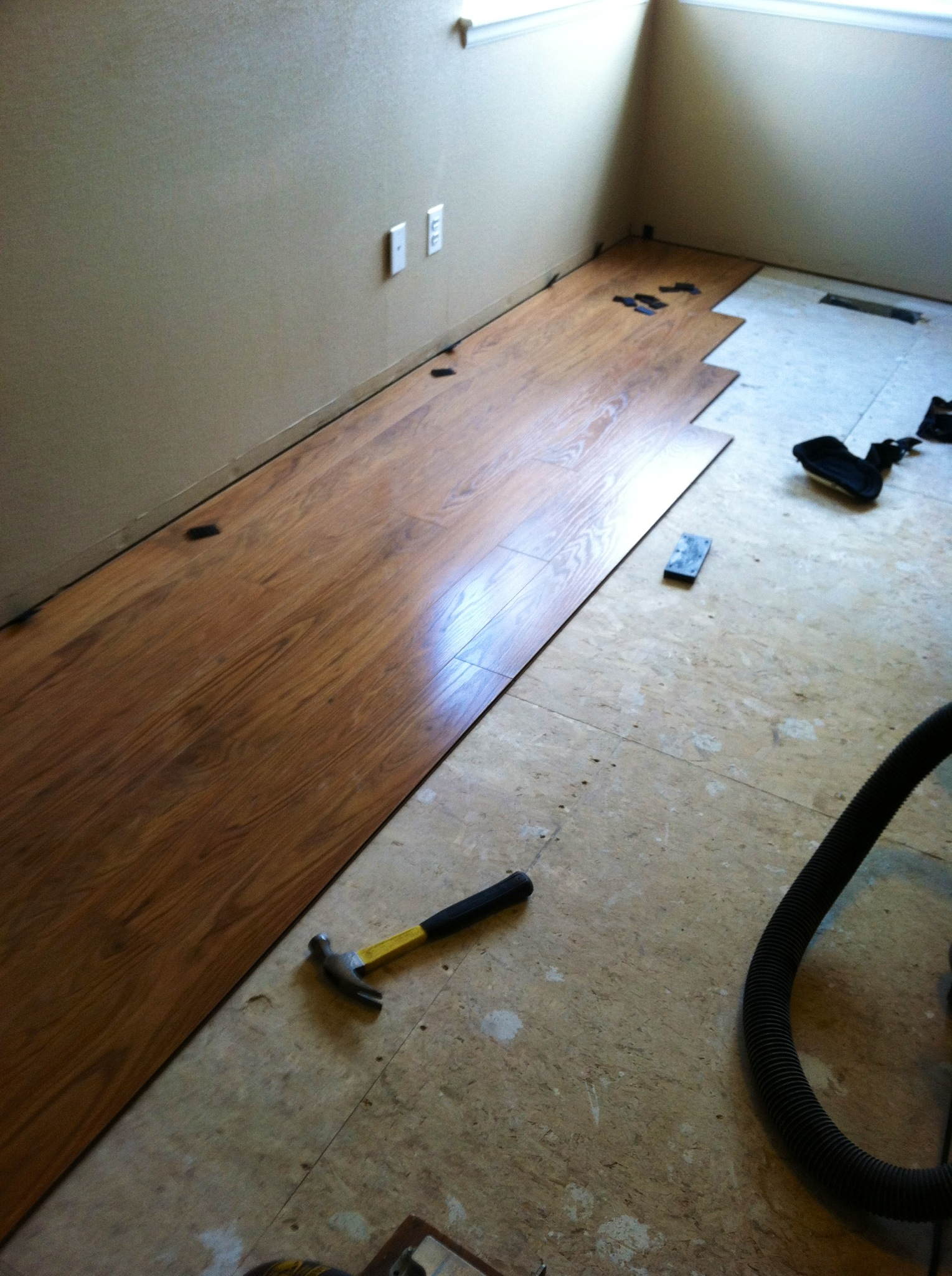 Bedroom How To Pergo Laminate Flooring Courtney S