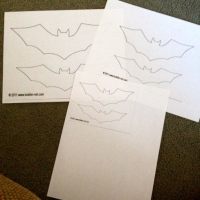 Halloween Crafts | Paper Bat Wall for FREE