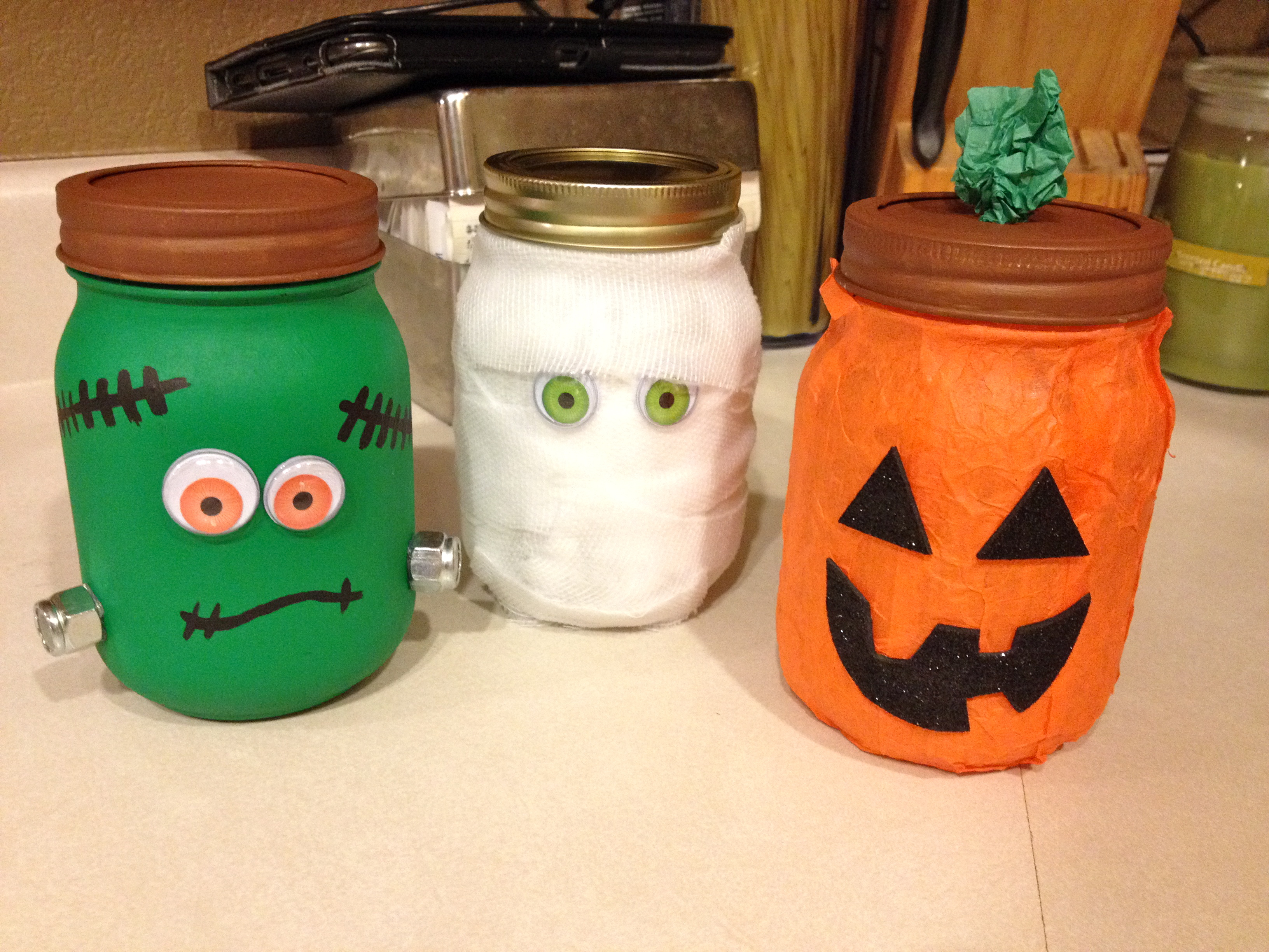 halloween mason jars decorations for under 10