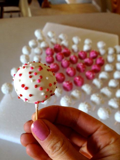 Mini Cake Pops Valentines Day Courtneys Craftinampcookin