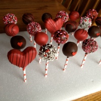 Mini Cake Pops | Valentine's Day